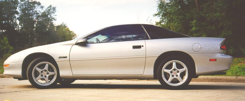 Anyone Have Pics Of A Silver Camaro W Black Zr1 Polished C5 Y2k Or Chrome C6 Wheels